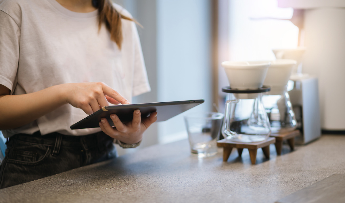 Kettlemans Bagel Revamps the Contactless Ordering Experience with the Help of Oracle Food and Beverage, Appsuite, and Bluedot  Copy